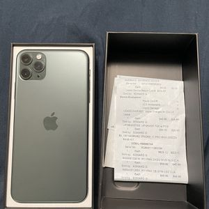 iPhone 11 pro max 64 gb - Unlocked any carrier- Battery Health 100% for Sale in Montebello, CA