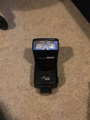 Flash attachment for digital cameras. I lost my camera so have no use for it. for Sale in Los Angeles, CA