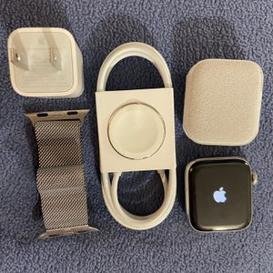 Apple Watch Series 5 40mm Cellular + GPS for Sale in Joliet, IL