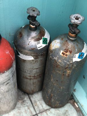 Carbon dioxide tanks for keg machine for Sale in Fort Pierce, FL
