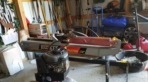 Husker Log Splitter 12.5hp 35 ton for Sale in Staunton, IL