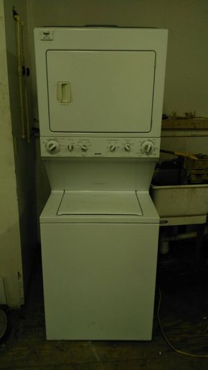 """Kenmore stackable """"washer & dryer set"""" (white) for Sale in Cleveland, OH"""