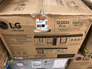 LG 12 BTU window AC for Sale in Palm Beach Gardens, FL