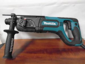 """MAKITA HAMMER DRILL 25mm (1"""") Model: HR2475 with hard case for Sale in Sarasota, FL"""