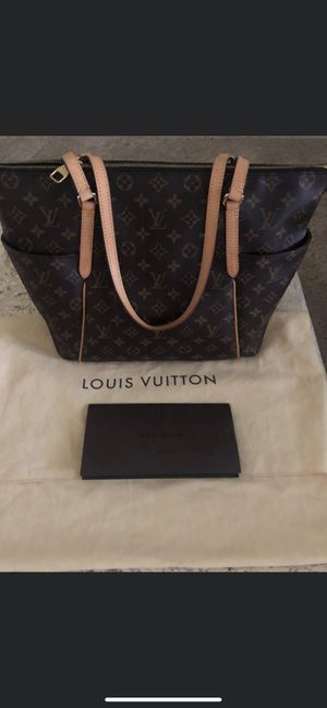 Authentic Louis Vuitton MM Tote for Sale in Palm City, FL