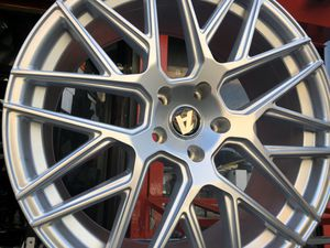 Alfina rims 20x9/10 et35 5-114.3 for Honda Accord Civic Toyota nissan infinity for Sale in The Bronx, NY
