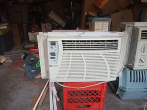 2 ac window units for Sale in White Oak, PA