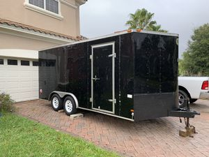 2015 wells cargo 8x16ft tandem axle v-nose enclosed trailer for Sale in Davenport, FL