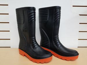 Rubber water proof mens work boots $19.99 for Sale in Hialeah, FL