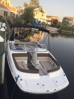 210 Bayliner Deck Boat 2015 for Sale in Ruskin, FL