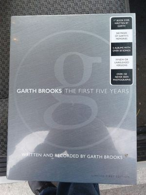 Garth Brooks collectors box set for Sale in Fort Worth, TX