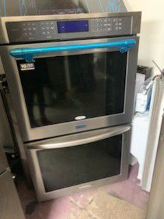 Maytag double oven electric 30 inch wide for Sale in San Marcos, CA