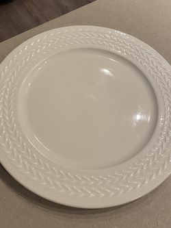 4 XL ceramic plates for Sale in Washington,  DC