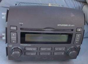 2006-2008 Hyundai Sonata AM FM Radio Cd Mp3 Player, genuine part, used for Sale in Altamonte Springs, FL
