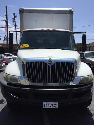 Internation box truck, moving truck for Sale in Los Angeles, CA