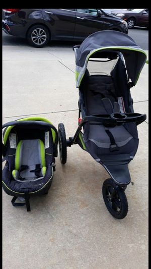 Eddie Bauer Newborn and Up Car Seats with Stroller for Sale in Diamond Bar, CA
