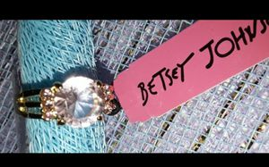 BETSEY JOHNSON PINK ROUND STONE RING for Sale in Azusa, CA
