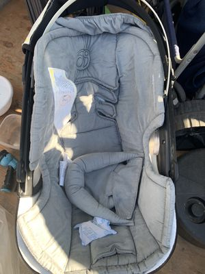 Orbit Baby Infant Car Seat and Base G2, Black and grey for Sale in Lakewood, CA