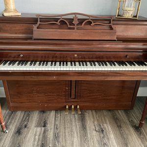 Wurlitzer Upright Piano for Sale in West Palm Beach, FL