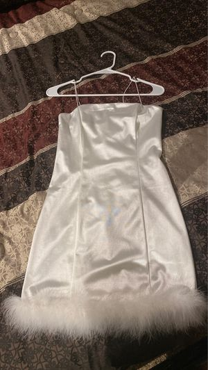 Bodycon silk white dress. Never worn with tags still on it . for Sale in Katy, TX