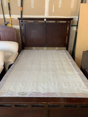 Queen size bed frames with 2 mattress boxes for Sale in Bothell, WA