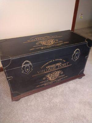 RARE Antique trunk for Sale in Hudson, IL