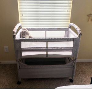 Arm's Reach Co Sleeper Bassinet Like NEW for Sale in Los Gatos, CA