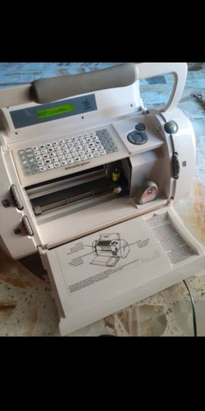 Cricut cutting machine for Sale in CORP CHRISTI, TX