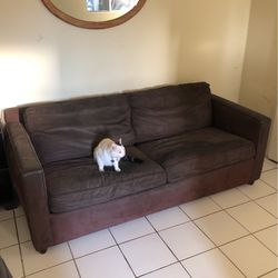 Crate And Barrel Leather Couch With Pull Out Bed for Sale in Los Angeles,  CA