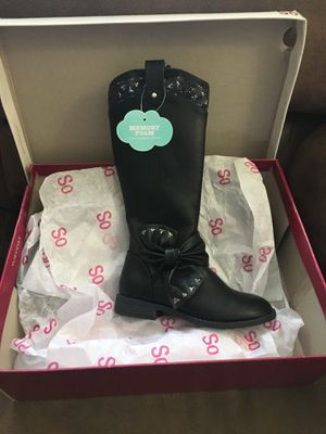 New in box black memory foam boot for girl size 13 for Sale in La Vergne, TN