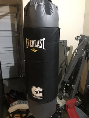100lb punching bag for Sale in Manor, TX