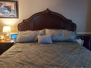 King bedroom set with mattress included for Sale in Placentia, CA