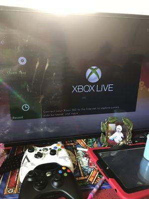 Estoy vendiendo este Xbox 360 con 3 controles y 17 movies todo por $145 for Sale in Oxon Hill, MD