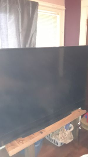 """72"""" Mitsubishi smart tv for Sale in Raytown, MO"""