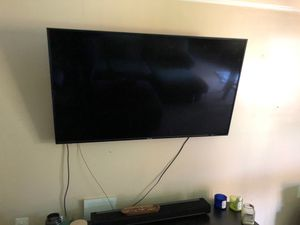 Used 60 inch Hisense TV 9/10 condition for sale! MUST BE GONE BY 5/29/20 for Sale in Upper Marlboro, MD