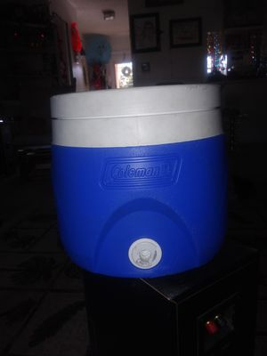 Coleman cooler for Sale in West Palm Beach, FL