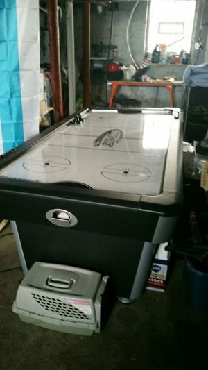 Brunswick air hockey table for Sale in Chicago, IL