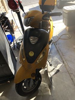 Lottus 50cc scooter for parts or repair. for Sale in North Las Vegas,  NV