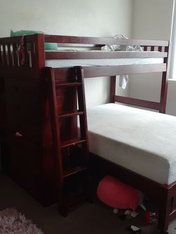 Twin Over Full Bunk Bed W/ 6 Drawers And A Bookshelf Matress Not Included for Sale in Carson,  CA