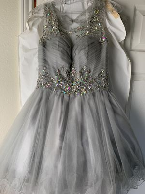 Silver prom/quince dress for Sale in San Antonio, TX