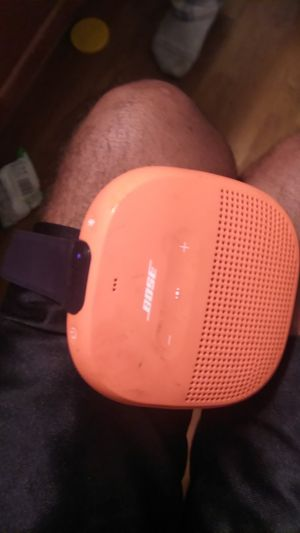 Bose mini speaker for 95 for Sale in Fresno, CA