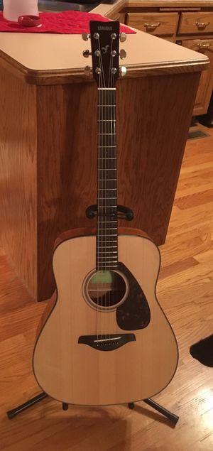Yamaha acoustic guitar for Sale in Orland Hills, IL
