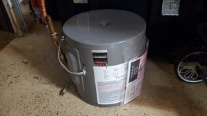Ruud professional portable water heater 110v for Sale in Oceanside, CA