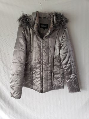 Womans quilted parka for Sale in Jurupa Valley, CA