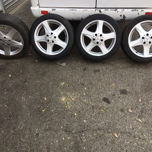 """Mercedes Benz Rim And Tires 17"""" for Sale in Fresno, CA"""