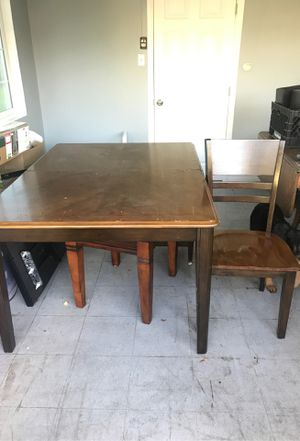 Table with 4 chairs. for Sale in Montebello, CA
