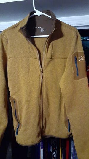 ARC'TERYX mens M/M light weight base layer for Sale in Fayetteville, NC