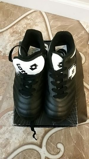 Lotto boys black youth cleats for Sale in Wichita, KS