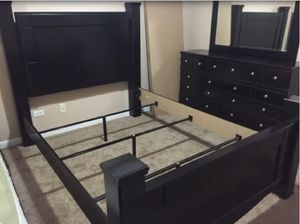 3pc BedRoom Set(Bed, Dresser & Mirror) for Sale in Chicago, IL