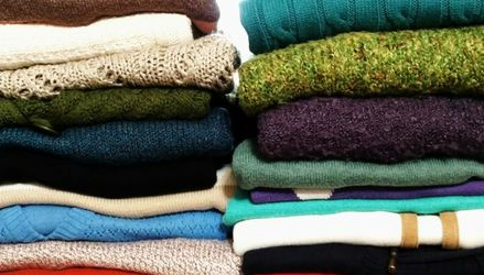 24 Women's Sweaters Size XL for Sale in Marbury,  AL